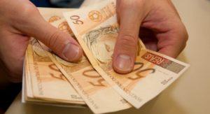 receber-dinheiro-grana-mundial-770x418-300x163 Tesouro bloqueia FPM e agrava crise em Taperoá e mais 12 municípios da Paraíba