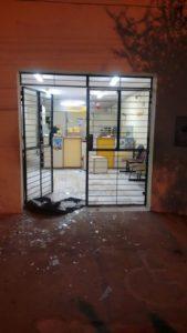 2432518d-df0d-4cde-9a9e-0c9bbc932f53-169x300 Bandidos explodem Correios e levam cofre em camalaú