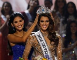 2017-01-30t033455z_2016575943_rc1ab5341c80_rtrmadp_3_philippines-missuniverse-310x245-300x237 O Miss Universo é da França; A coroa ficou com Iris Mittenaere