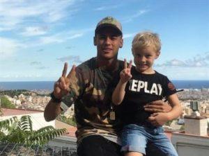 90-300x225 Filho de Neymar é o novo integrante da escolinha do Barcelona