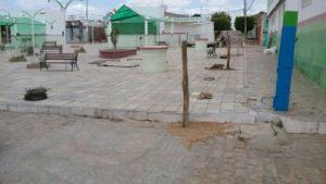 amaparo-pb-300x169 EM AMPARO: Construtora cerca praça e alega falta de pagamento da ex-gestão