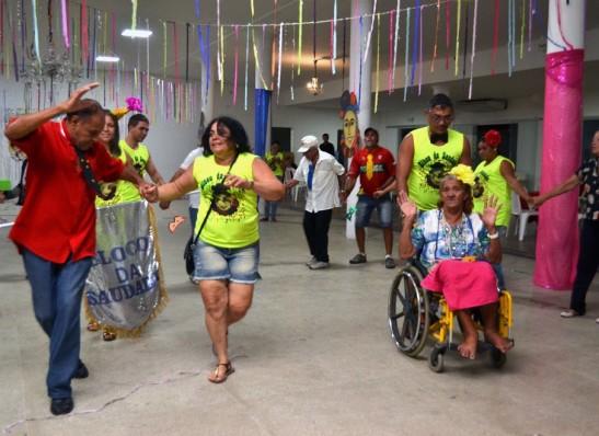 timthumb-12-2 Bloco da Saudade participa de baile no Centro Cultural e faz a festa em Monteiro