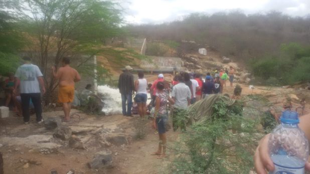 20170312_140354-1024x576 Centenas de pessoas visitan Barragem de São José no município de Monteiro neste Domingo.