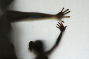 violencia_domestica_elza_fiuza-300x201-300x201 Violência doméstica: marido é suspeito de queimar rosto da esposa com ácido muriático enquanto ela dormia