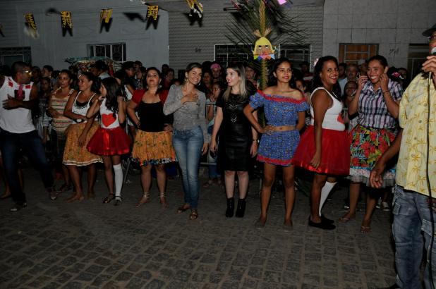 OPIPOCO mostra como foi a primeira noite do festival de quadrilhas em Monteiro. Confira Imagens 4