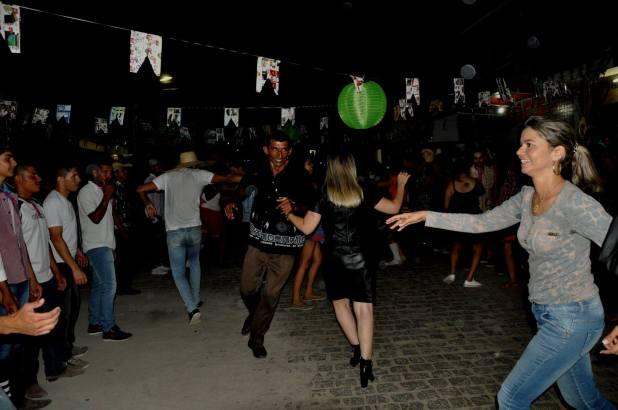 OPIPOCO mostra como foi a primeira noite do festival de quadrilhas em Monteiro. Confira Imagens 6