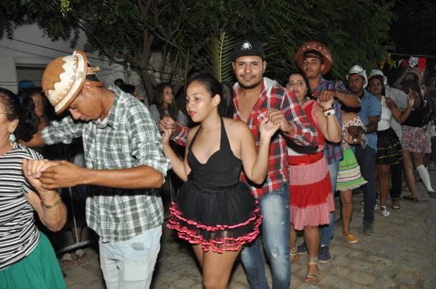 OPIPOCO mostra como foi a Segunda noite do festival de quadrilhas em Monteiro. Confira Imagens 20