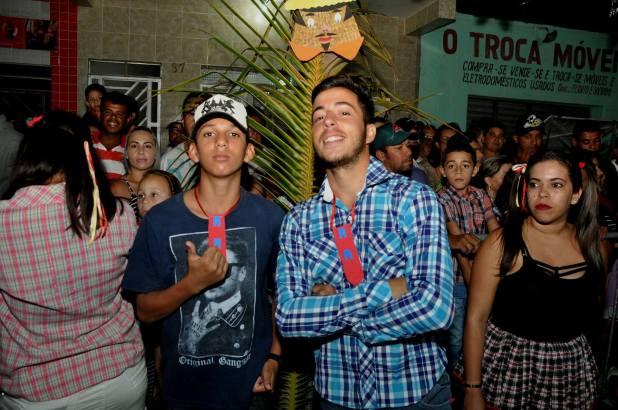 OPIPOCO mostra como foi a primeira noite do festival de quadrilhas em Monteiro. Confira Imagens 41