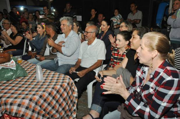 OPIPOCO mostra como foi a Segunda noite do festival de quadrilhas em Monteiro. Confira Imagens 31