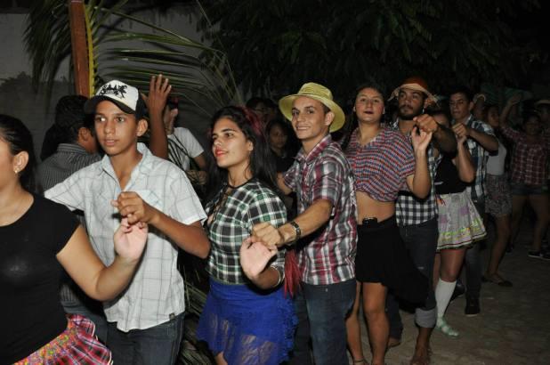 OPIPOCO mostra como foi a Segunda noite do festival de quadrilhas em Monteiro. Confira Imagens 37