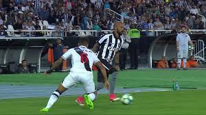 Botafogo vence Vasco com dois de Roger e encerra jejum de 11 jogos 7