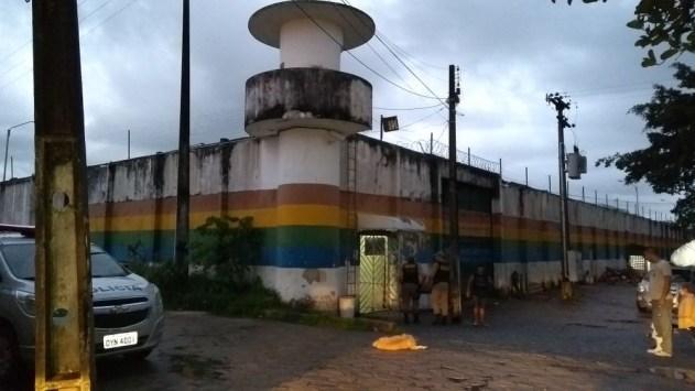 Dois jovens infratores morrem e 34 fogem de unidade de ressocialização no Grande Recife 1