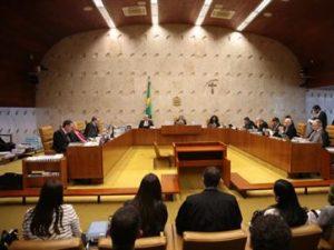 Supremo-decide-que-Lei-da-Ficha-Limpa-vale-para-casos-anteriores-a-2010-1-300x225 STF decide nesta quarta se pode afastar parlamentares