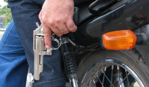 bandidos-300x177 Jovem tem celular tomado por assaltante na zona rural de Monteiro