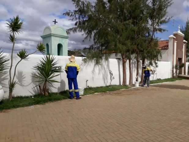 cemiterio_mnt_limpeza-1024x768 Prefeitura de Monteiro realiza serviços de manutenção em Cemitério Municipal