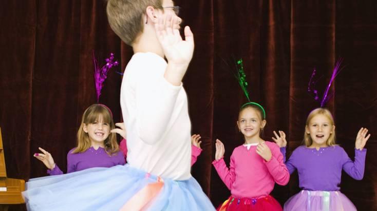 1510558441_641562_1510562961_noticia_normal_recorte1 Igreja Anglicana diz que meninos devem ser livres para usar saias e saltos sem preconceitos