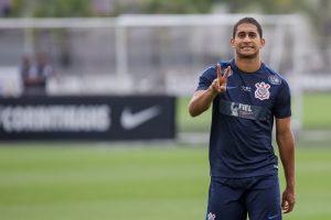 a3611f124946-300x200 Flamengo tem interesse no zagueiro Pablo, que não ficará no Corinthians