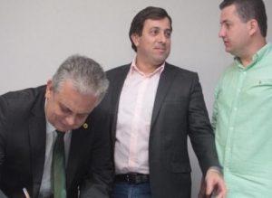 201801180900220000009978-300x219 Gervásio transmite cargo de presidente da ALPB para João Bosco Carneiro