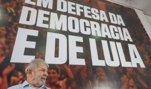 26993799_1572684319467229_291213703681372278_n-300x178 Presidência: PT lança pré-candidatura de Lula