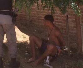 cachorro-cuida-de-dono-durante-prisao Amigo fiel: cachorro acompanha dono durante prisão em Monteiro