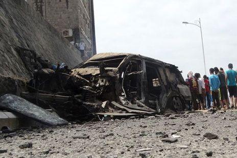 iemen Duplo atentado com carro-bomba em quartel mata seis pessoas no Iêmen