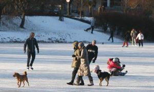 Frio intenso mata cinco pessoas na Polônia 2