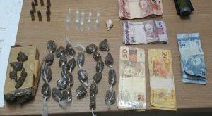 DROGAS-300x165 Polícia apreende 21 armas de fogo e prende 150 suspeitos de crime na PB