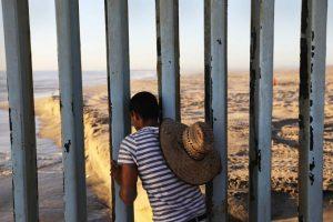 Trump-ordena-envio-da-Guarda-Nacional-para-fronteira-com-o-México-300x200 Trump ordena envio da Guarda Nacional para fronteira com o México