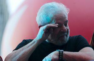 lula-reuters-300x197 PF e Lula negociam termos de rendição