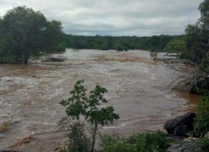 timthumb-7-300x218 Chuva no Cariri provoca cheia em rios Paraíba e Taperoá