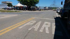 20180523_113204-300x169 Em Monteiro: Caminhoneiros ocupam rodovias em protesto contra preço de combustíveis