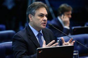 Cássio-Cunha-Lima-300x199 Cássio sugere que Temer demita o presidente da Petrobras e acusa falta de governo