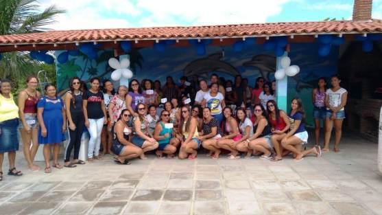 Dia-das-Mães-_-Escola-Benícia4 Lazer na piscina fez parte das comemorações ao Dia das Mães Escola