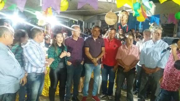 003-26 Vereadores de Monteiro prestigiam comemoração do aniversário da prefeita Anna Lorena