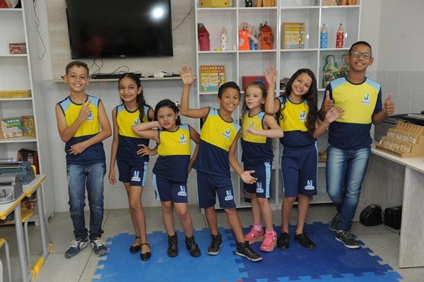alunos_escola_mnt Atividades na educação e saúde voltam à normalidade em Monteiro após paralisação