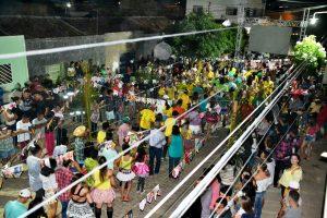 quadrilha-adamastor-neves3-300x200 Agitação e alegria tomaram conta da Rua Adamastor Neves no Festival de Quadrilhas de Rua