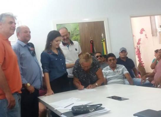 timthumb-8 MONTEIRO: Vereadores participam de reunião com beneficiários do Programa de Cisternas