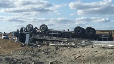 Caminhão capota e motorista morre preso às ferragens no Cariri 9