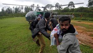 2018-08-21t201353z_1816020601_rc11405ccdc0_rtrmadp_3_india-floods_0-300x170 Indianos voltam para casa depois de enchentes