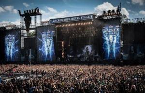 20180806193715120116e-300x193 Idosos fogem de asilo para assistir festival de rock