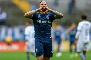 43693030524_6fccd16cae_o-1024x683-1-300x200 Com dois de Jael, Grêmio goleia Botafogo e retorna ao G4