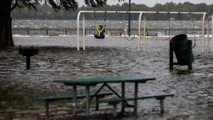 880x495_cmsv2_6566c790-0829-5452-877b-71c8c0fd6e3b-3317954-300x169 Florence adentra EUA e deixa 5 mortos e cidades inundadas