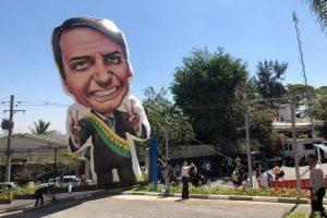 bolsonaro-300x200 Bolsonaro passará sua campanha para as redes e deixará ruas para aliados
