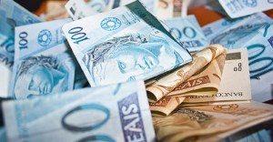 dinheiroo-1-1-300x156 Paraíba arrecada em agosto R$ R$ 497 milhões em imposto