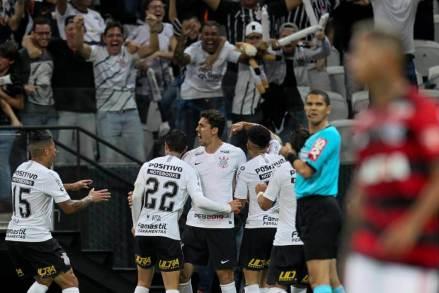 gazeta-press-foto-1156691-1024x683-1 Corinthians supera favoritismo do Flamengo e vai à final da Copa do Brasil