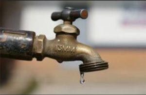 20171129-020-300x195 Vandalos quebram tubo de adutora e população de Monteiro fica sem água