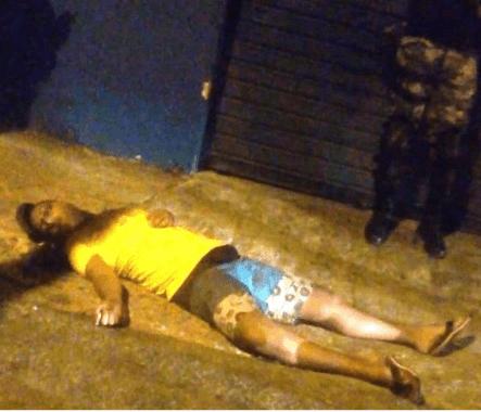 MORTO-1-443x380 Adolescente é assassinado a tiros na capital
