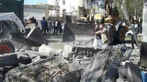 naom_5c08e5ded83f6-300x169 Homem-bomba mata três pessoas e fere dezenas