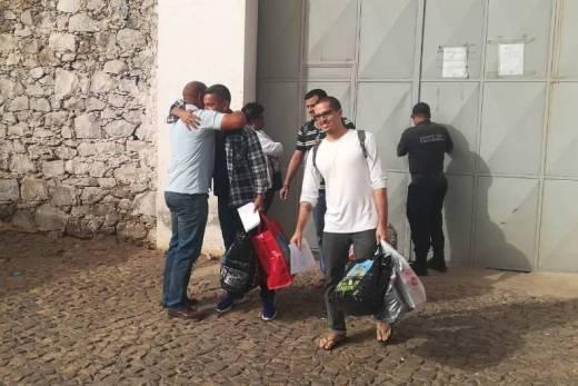 Brasileiros são soltos em Cabo Verde após 18 meses na prisão 1