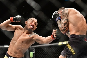 Com marca pessoal inédita no UFC, Aldo nocauteia 'Moicano' em Fortaleza 1